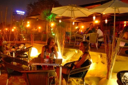Few clubs in Barcelona come with a sandy beach floor!  Beach Club La Raspa combines a romantic setting with the all the action typically found in clubs in Barcelona city.