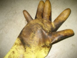 Make sure you use gloves when staining or your fingers will look like this ;-)