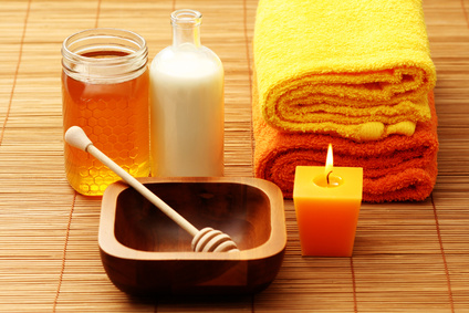 Pamper yourself and your skin like Cleopatra in a rich, luxurious bath of milk and honey.