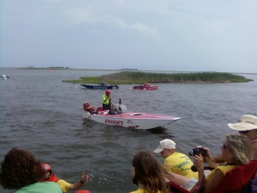 What a fun day out watching boat racing at it's finest. It is a great family day out.