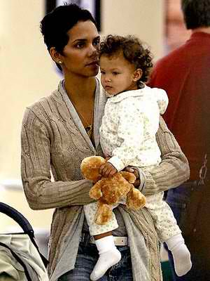 Meet the beautiful Nahla Rose, who's mother is the very beautiful Halle Berry.