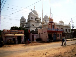 Puskar is not only a Hindu pilgrimage place, it is holy for others too....a  Gurdwara of Sikhisim at Puskar.