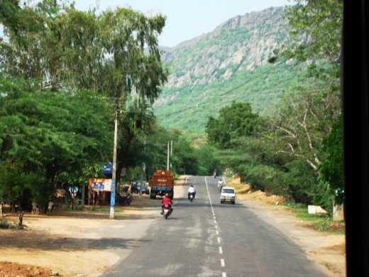 Road to Puskar from Ajmer, through the Nag Parvat (Snake Hills)