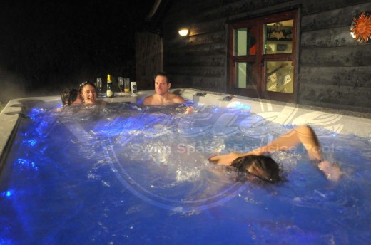 Single volume of water allows swimmers and bathers to share the experience together