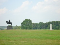 Monument of Stonewall Jackson (left), and monument  where General Bee was killed (right).