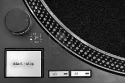 DJ turntable features