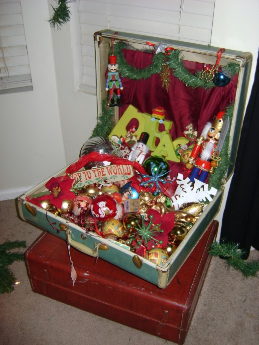 Spirit of Christmas suit case