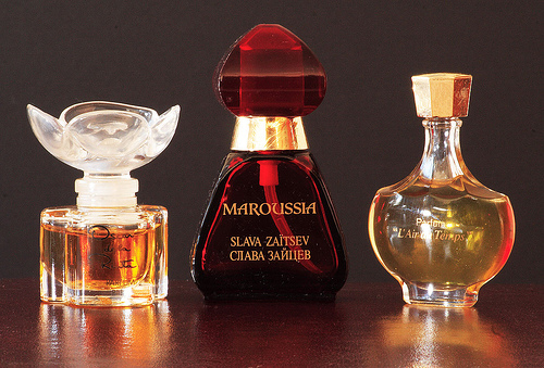 Different ways of using Perfumes