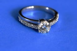 How to clean Diamond Jewelry at home and bring back its glitter?