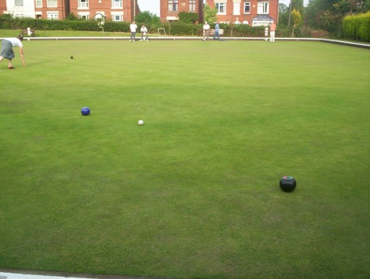 After the opening bowls have been sent