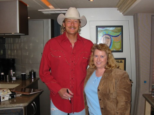 Tall and handsome, Alan Jackson has a smile that can melt a heart!