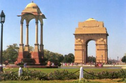 India gate and Martyer's flame-near parliment house