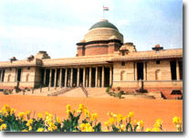 Closer view of Rashtrapathi Bhavan,New Delhi