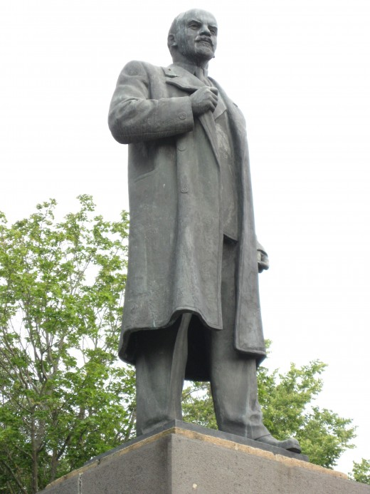 Statute of Lenin in city square of Veliky Novgorod, Russia.