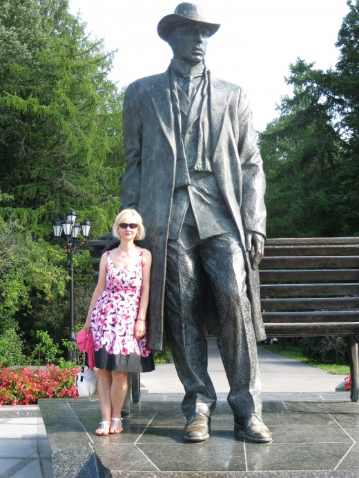 My wife Bella with statue of Sergi Rachmaninov in park outside of Kremlin in