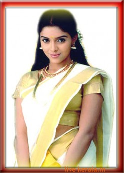 Asin in Kerala saree
