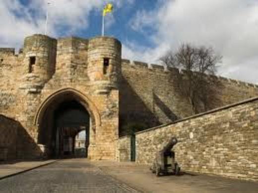Lincoln Castle gateway
