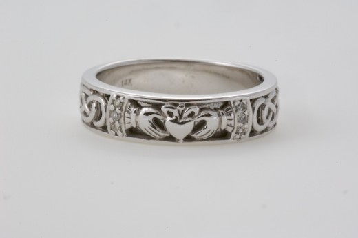 To see more Celtic Wedding Rings visit   http://seodasi.com/CladdaghJewerly/CladdaghRings/tabid/165/Default.aspx