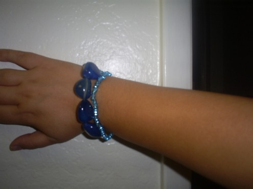 Create a matching bracelet using blue stone beads and seed beads. (Picture Taken By Sweetiepie)