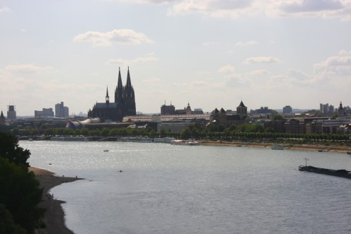 The west bank (Konrad-Adenauer-Ufer [Konrad-Adenauer-Bank]) of the Rhine in Cologne, Germany