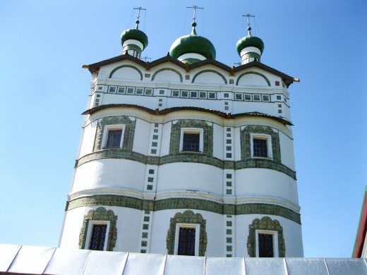 Close-up view of the green domes of St Michael's Monastery of the Holy Trinity in the Village of Kleptsy. (Monastery located in Village of Kleptsy just outside of Veliky Novgorod, Russia)