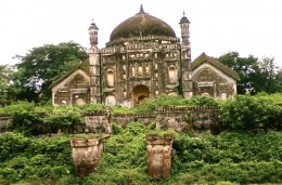 "The  Khwaja Anowar's tomb : central dome of Mughal architecture flanked by ""Do-Chala"" structures of typical Bengal style"