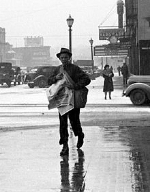 Newsboy, Iowa City, 1940, Arthur Rothstein.