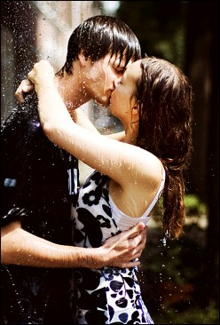 How many of you love to getting kissed in pouring rain?