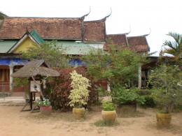 Bakong's charming surroundings, Roluos Temples, Angkor, Cambodia