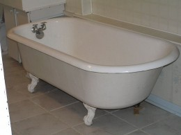 """A """"clawfooted"""" bathtub"""