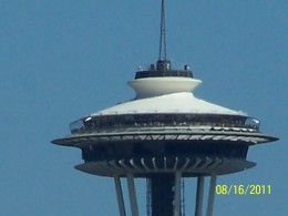 SEATTLE SPACE NEEDLE UP CLOSE