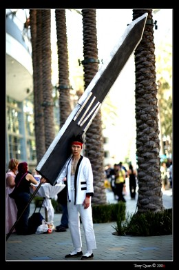This cosplay from Kenshin is one of the most extreme cosplay swords ever. The sword is scale to real life and is made out of wrapped foam. In the anime this sword was the most powerful blade created to take down both a samurai and his horse(1 blow).