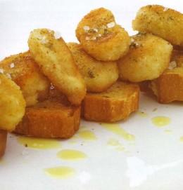 Criadillas de cordero en pan frito