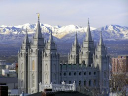 THE MAGNIFICENT MORMON TEMPLE IN SALT LAKE CITY, UTAH