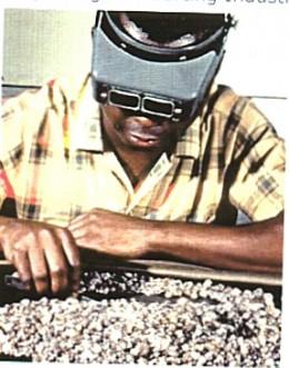 1999 African Diamond Dealer in Katanga
