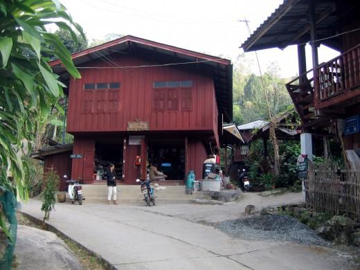 Mae Kompong Village