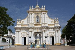 Front view of the cathedral with Sacred Heart of Jesus.