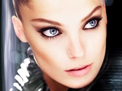 Flawless smokey make-up for autumn 2011