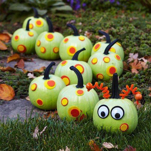 Get directions for this cute pumpkin caterpillar at BH&G.