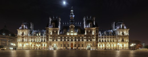 The Htel de Ville at night