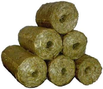 Straw-hay briquettes. Conversion of Biomass to Charcoal Briquettes will become more viable than ever before. Image Credit: www.AgroBrik.cz, Wikimedia Commons