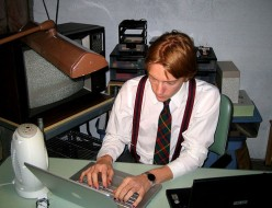 Differences between regular English and news writing styles