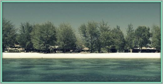 Beach facilities at Gili Trawangan.