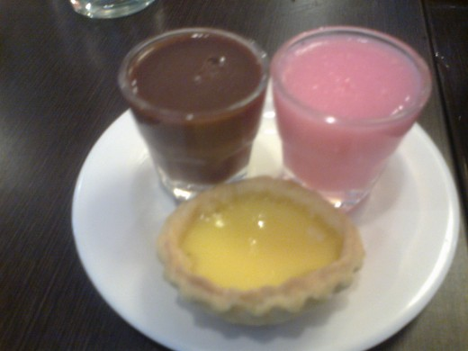 Chocolate and strawberry pudding with egg tart