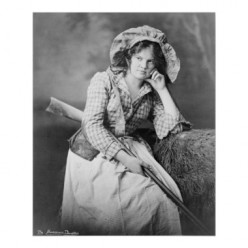 A STEROTYPICAL PHOTOF OF AN EARLY SOUTHERN LADY. THEY ALWAYS POSED WITH SHOTGUNS. THIS ONLY ADDED TO THE MISUNDERSTANDING OF SOUTHERNERS.