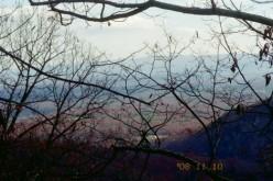 Hiking trail guide: Signal Knob, Front Royal, Virginia.