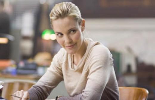 Leslie Bibb as Price's partner.