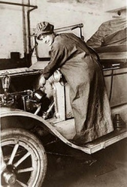 This is a photo of Rosalie Jones, auto salesman, from 1920. This had nothing to do with my story about advertisers' turn-down lines to ad salespeople. I just wanted to honor Rosalie for her work in sales.