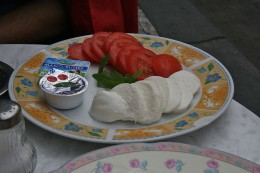 Mozzarella-Tomato-Breakfast