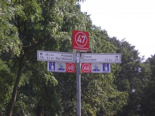 bike path signs